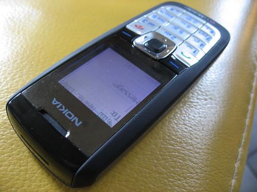 Nokia 2610 by Kai Hendry.