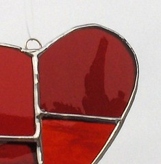 Corazn rojo (Das y Flores) Tags: red glass rojo heart stainedglass stained suncatcher vitreaux etsy tiffany rosso cuore corazon vidrio vetro cgge