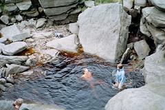 Pennine Way (Nevica) Tags: water fountain pool walking hiking peakdistrict dip ih pennineway