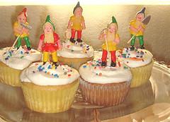 gnome cupcakes (Team Dziobecki) Tags: cupcakes vegan gnomes vegorama