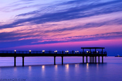 Touch the dream (Ammar Alothman) Tags: bridge pink winter sunset sea sky cold color silhouette clouds contrast canon mall landscape interestingness interesting bravo flickr gulf calendar dream explore fantasy kuwait souq ammar kuwaitcity kw q8 30d souqsharq sharq  canon30d  canon2470 ammaralothman 3mmar sharqmall  impressedbeauty 3amar kuwaitphoto kuwaitphotos ammarq8 kuwaitvoluntaryworkcenter