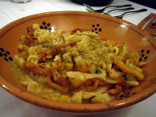 Ciceri e Tria - fried and boiled pasta with chickpeas