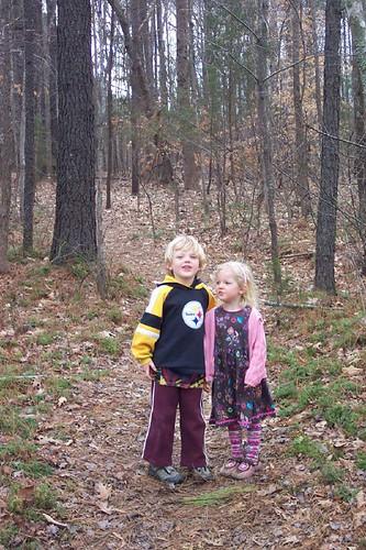 kids-in-woods-2