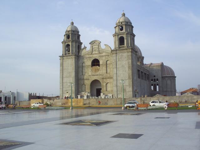 Plaza de Armas de Nuevo Chimbote 392029458_a60ed2e727_o