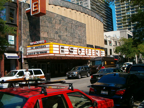 chicago movie theaters 60611