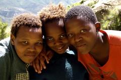 Lesotho (KraKote est KoKasse.) Tags: africa portrait southafrica enfant sourire lesotho afrique fillette krakote forcont wwwkrakotecom valeriebaeriswyl