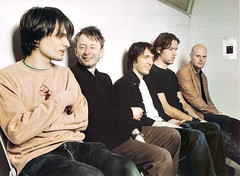 2004crossbeat1.jpg (Remedios Varo) Tags: colin greenwood thomyorke radiohead jonnygreenwood colingreenwood philselway edobrien