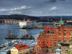 Göteborg Harbour (HDR) by shtumpi