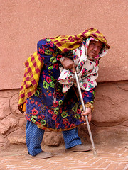 Abyaneh/ Women (HORIZON) Tags: people women bravo colorful village iran quality horizon persia iranian kashan abyaneh anahita isfahanprovince abyanehvillage