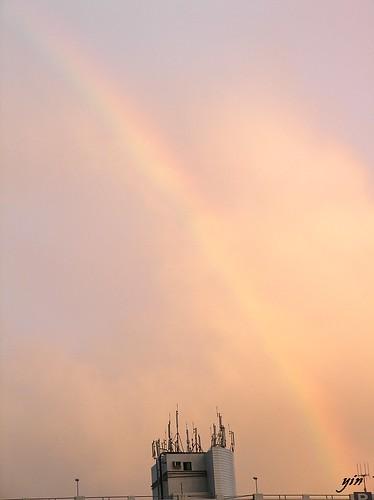 Rainbow-雨中瑞雲現彩虹炫