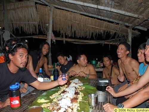 Philippines Pinoy Filipino Pilipino Buhay Life people photos rural drinking men celebrate celebration La Union