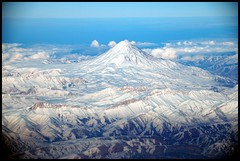Mount Damavand (Shreyans Bhansali) Tags: favorite mountain iran damavand tehran windowseat airindia alborz winter2006 instantfave dec2006jan2007