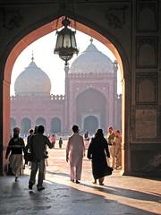Badshahi Masjid Gate2