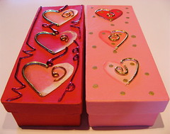 Happy Valentine's Day (jurvetson) Tags: life happy heart coeur valentine valentines valentin vie bemine boxofchocolates hownice hugme firsttheearth readingheartcandymessages boîtedechocolats