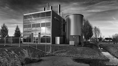 Warmtestation Eneco (Rens Timmermans) Tags: canon5dmk3 sigma1224f4556dg architectuur industrie blackwhite niksilverefexpro water