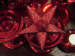 """Brilliant Sparkly Red (""""M"""" PEARL) Tags: redstar christmas2006"""