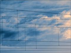 061127 10:58 ([zen52]) Tags: sky icon panasonicdmclz5