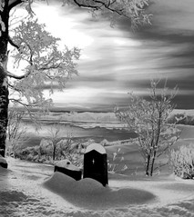 Eternal light (Krogen) Tags: bw norway photoshop wow norge blackwhite olympus c7070 nes akershus romerike krogen