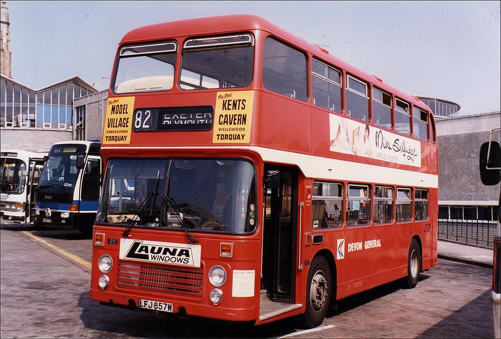1210 LFJ857W Devon General.