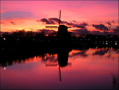 Sunset over Alkmaar - the Netherlands (Emil de Jong - Kijklens) Tags: sunset reflection mill netherlands windmill geotagged zonsondergang nederland alkmaar molen molens reflectie flickrfly abigfave geo:lat=5264087030991964 geo:lon=4762166062315354 ge:tilt=7071015210988097 ge:head=1305986222415644 ge:range=1602644034077734 grouptripod kijklens