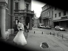wedding day surprise/ surprise de noces - by olahus