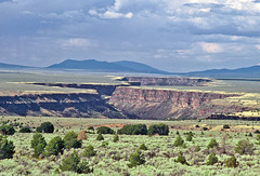 Rio Grande Gorge: South of Taos, New Mexico (NM) (Floyd Muad'Dib) Tags: new plants usa mountain plant mountains newmexico southwest america geotagged mexico us unitedstates united north landmark vegetation northamerica gorge states taos nm chamisa northern gorges juniper americanwest sagebrush riogrande rabbitbrush taosnewmexico riograndegorge westernusa junipers taosnm northernnewmexico northernnm newmexicolandmark