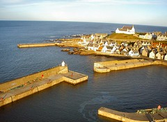 Findochty harbour (Simon Harb) Tags: sunset coast scotland marine harbour kap findochty