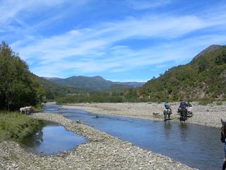 Cruzando el Rio Ñirevetun