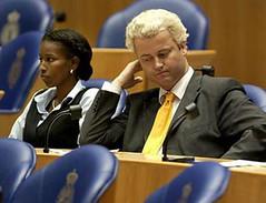 Geert Wilders, naast Ayaan Hirsi Ali
