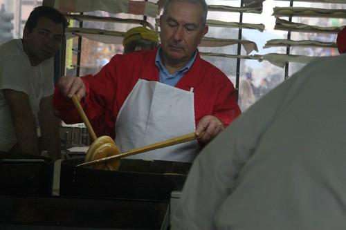 Frying Bomboloni (Doughnuts, Do-Nutz)
