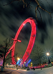 Red Eye (graspnext) Tags: london eye night big londoneye momma bigmomma aplusphoto superhearts photofaceoffwinner photofaceoffplatinum pfogold