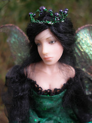 SE#04 Amethyst ~ Posable Fairy Queen (Nenfar Blanco) Tags: art fairytale doll soft arte handmade ooak queen fairy fantasy clay crown creature mythology faerie hada fae organza polymer posable fanstasy nenufarblanco