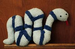 Мягкая игрушка-змейка, сшитая своими руками