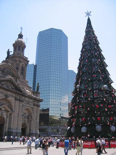 Christmas tree in Santiago Plaza de Armas