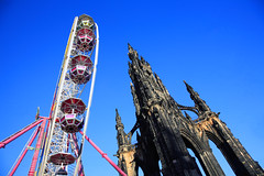 Big Wheel Keeps On Turning (Rod Monkey) Tags: scotland edinburgh princesstreet ferriswheel scottmonument interestingness132 i500 rodirvine