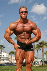 Gary Strydom 2006 Venice Beach CA (104) (Pete90291) Tags: pecs muscles arms muscular chest bodybuilder biceps abs quads musclemen ifbbpro probodybuilder garystrydom ifbbbodybuilder professionalbodybuilder