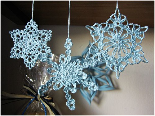 Crochet Snowflake : Crocheted Snowflake Table Runner - Christmas Crafts, Free Knitting