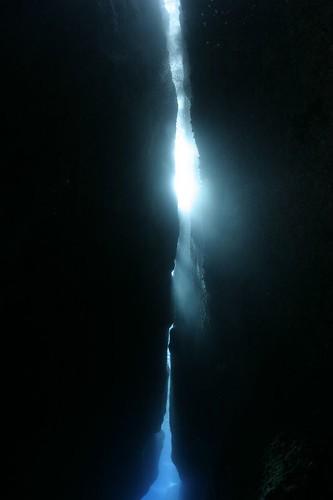 《聖堂光輝》的裂痕光線
