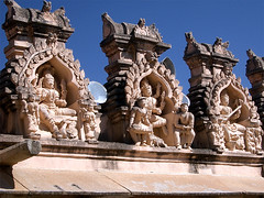 Gods (gomer333) Tags: india beautiful statue god photos best fotos favourites karnataka jain sravanabelgola lieblingsfotos schnste of