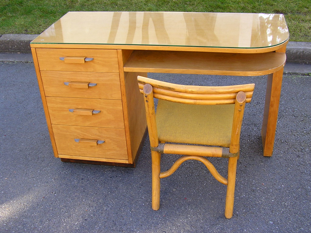Deco Saarinen Desk