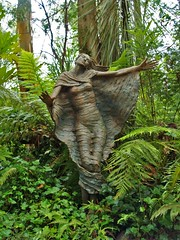 (benrobertsabq) Tags: sculpture woman forest garden fantastic walk terracotta magic jardin skulptur wrapped australia olympus dancer victoria escultura fairy fabric jardim cloak lifesize bruno garten marysville faerie sculptor whimsical giardino scultura e500 gardenstatuary gardenstatues kitlenses grottoe brunossculpturegarden torfs brunotorfs httpwwwbrunosartcom