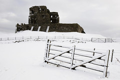 Auchindoun Castle (Archie Mc) Tags: snow castle scotland moray auchindoun