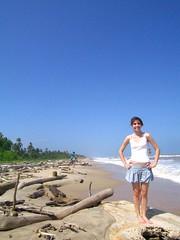 modeling at the beach (nadiobolis) Tags: beach girl model chica modeling venezuela playa modelo niña beaches playas playita modelando machurucuto
