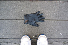 (.philippe.) Tags: feet grenoble shoes glove ps pieds canonixus400 2007