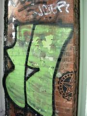 miss 17 new york street graffiti