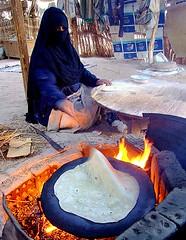 Bread baking (Liv ) Tags: travel 2 people 3 topv111 tag3 1 photo interestingness topv333 tag2 tag1 desert tag ivan egypt explore 09 beduini lazzari laiv nikond80 impressedbeauty laivphoto megashot