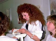 Bonnie Langford 1988 08 - SA 011a (normko) Tags: celebrity london star ginger dancer redhead 80s actress bonnie actor coventgarden entertainer curl 1980s celeb langford bonnielangford paparatsy shopassistance