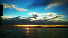 Cruzando el canal de Chacao. (julio_skin) Tags: sur chacao cielo atardecer mar sky chile lamagiadelsur canaldechacao