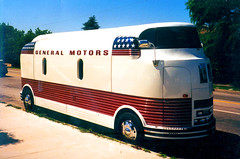 General Motors 1940s Futurliner tour bus (Eleventh Earl of Mar) Tags: film upload gm december 2006 cadillac scanned sfv notdigital 1953 shermanoaks generalmotors guitarcenter futureliner futurliner tourofprogress