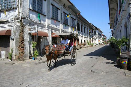 Calesa at Calle Crisologo